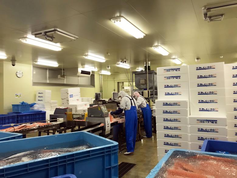 梱包室 関空トレーディング工場